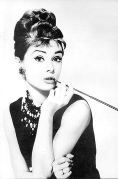 Audrey Hepburn, classy woman. A fashion icon.