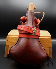 Leather flask 1,3l Cowhide Leather, Leather Craft, Flask, Medieval, Handmade, Crafts, Leather Crafts, Hand Made, Manualidades
