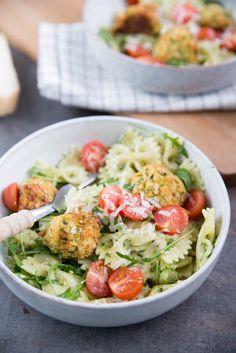 Pasta Pesto With Zucchini Balls