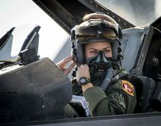 Zoe Kotnik, Fighter Squadron pilot from Shaw Air Force Base, S., clips on her mask in her Fighting Falcon prior to a Combat Hammer sortie Nov. at Eglin AFB, Fla. Air Force photo by Samuel King Jr. Jet Fighter Pilot, Air Fighter, Female Fighter, Fighter Jets, Air Force Women, Us Air Force, Female Pilot, Female Soldier, Luftwaffe