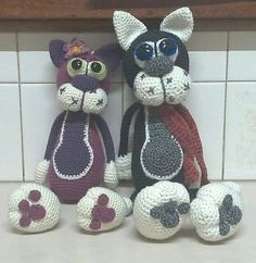Daisy and Sylvester, made for Shadow Cats auction. Pattern - Cherry Cat  LilikSha at Etsy