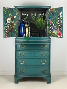 Vintage Drinks Cabinet Cocktail Gin Storage Painted Teal With Tropical Lemur Design Diy Furniture Renovation, Bar Furniture, Retro Furniture, Paint Furniture, Upcycled Furniture, Furniture Projects, Furniture Makeover, Teal Painted Furniture, Bar Vintage