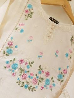 Embroidery On Kurtis, Kurti Embroidery Design, Embroidery On Clothes, Embroidery Fashion, Hand Embroidery Patterns, Embroidery Dress, Beaded Embroidery, Machine Embroidery, Sewing Kids Clothes