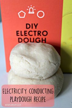 Going Deeper - Simple electricity conducting playdough recipe. Make squishy circuits and experiment with electricity for a fun science experiment! Easy Science Experiments, Stem Science, Science Fair Projects, Preschool Science, Physical Science, Science Classroom, Science For Kids, Mad Science, Stem Projects