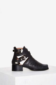Jeffrey Campbell Hanson Leather Ankle Boot | Shop Shoes at Nasty Gal!