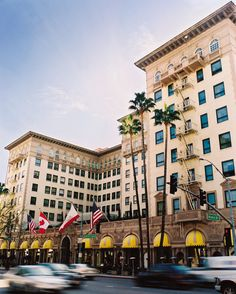 Gorgeous exterior shot of the iconic Beverly Wilshire, A Four Seasons Hotel #travel #hotelpartner