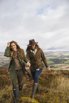 A Drop of Scotch Sunshine - Londoner Mode English Country Fashion, British Country Style, Mode Country, Country Wear, Country Chic, Country Girls, Country Style Fashion, Country Outfits English, British Style Outfits