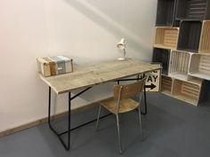 Vintage bureau/werktafel gecombineerd met steigerhout