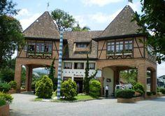 Pomerode! Um cidade tranquila e charmosa, reconhecida por suas tradições, belezas naturais e ótima qualidade de vida.