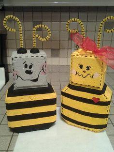 Cement Pavers, Painted Pavers, Brick Pavers, Concrete Blocks, Painted Rocks, Painted Bricks Crafts, Brick Crafts, Bee Crafts, Crafts For Kids