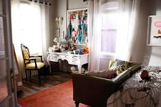 The-Mindy-Project-Office-SpaceBedroom.jpg (612×408)