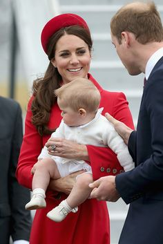 The Cambridges arrive in New Zealand! April 7, 2014