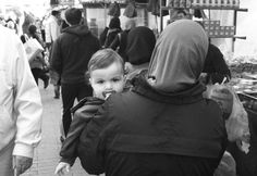 #market #Rotterdam #child #eyes #photography