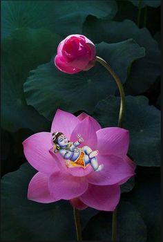 Lord Shiva Bal swaroop in creative art painting Krishna Hindu, Krishna Leela, Radha Krishna Pictures, Krishna Love, Baby Krishna, Arte Shiva, Shiva Art, Shiva Shakti, Lord Shiva Hd Images