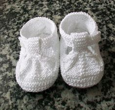 Sandalias De De Hilo Azul Azafata T - Diy Crafts - Maallure - Diy Crafts - Potitoo - Diy Crafts Baby Booties Knitting Pattern, Knit Baby Shoes, Crochet Baby Boots, Knit Baby Booties, Booties Crochet, Baby Girl Crochet, Baby Boy Shoes, Crochet Shoes, Baby Knitting Patterns