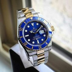 Cool in Blue Rolex Submariner Blue, Hand Watch, Rolex Oyster Perpetual, Luxury Watches For Men, Sport Watches, Vintage Watches, Luxury Branding, Rolex Watches, Cartier