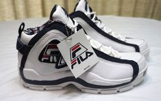 brand new a3601 b83b6 Details about Fila Grant Hill 2 96 Mid Retro Classic White Navy Basketball  Shoes Mens Size 9