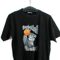 Basketball Maniac T-shirt / Garfield T-shirt / Basketball Shirt / Basketball Tee / Hipster T-shirt   Size S by Ramaci on Etsy
