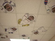 Love this idea with a personal space unit! Space Theme Classroom, Classroom Displays, Art Classroom, Space Preschool, Space Activities, Outer Space Theme, Ecole Art, Vacation Bible School, Sistema Solar