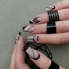 70 Beautiful Natural Short Square Nails Design For Winter Nails & Spring Nails 2020 - Discover Beauty, create beauty Creative Nail Designs, Winter Nail Designs, Creative Nails, Acrylic Nails Coffin Short, Best Acrylic Nails, Coffin Nails, Stiletto Nails, Gel Nails, Bling Nails
