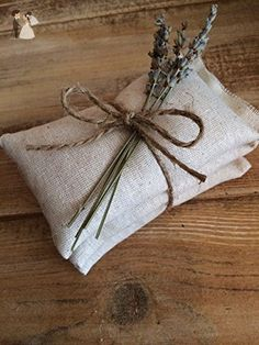 Natural Cotton Sachets With Dried Lavender - Wedding favors (*Amazon Partner-Link)