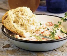 This winning chowder features crabmeat, and is made even more enticing with bouquet garni seasoning, which is a mixture of several herbs, and a small amount of cream cheese. Crab Recipes, Chowder Recipes, Soup Recipes, Cooking Recipes, Crab Dishes, Seafood Dishes, Crab Chowder, I Love Food, Soups And Stews
