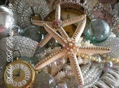 DIY jeweled starfish decorations