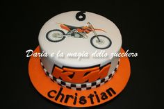 #Ktm cake #Motocross cake #Torta motocross #Torta Ktm 6th Birthday Parties, 9th Birthday, Birthday Ideas, Birthday Cake, Dirt Bike Kuchen, Motocross Cake, Dirt Bike Cakes, Cake Ideas, Fondant