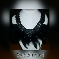 Collares#made_in_yuyi  Android  https://play.google.com/store/apps/details?id=com.roidapp.photogrid  iPhone  https://itunes.apple.com/us/app/photo-grid-collage-maker/id543577420?mt=8