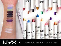 Tα Jumbo Eye Pencil μπορούν να φορεθούν είτε μόνα τους, είτε ως βάση σκιάς για πιο έντονο αποτέλεσμα και μεγαλύτερη διάρκεια στο μακιγιάζ των ματιών σας! Βγαίνουν σε 32 αποχρώσεις για να διαλέξετε!