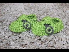 How To Make Cute Crocheted Baby Boy Booties - DIY Crafts Tutorial - Guidecentral Crochet Baby Booties Tutorial, Crochet Baby Sandals, Booties Crochet, Crochet Shoes, Crochet Slippers, Crochet Flower Hat, Crochet Lace Edging, Irish Crochet, Easy Crochet