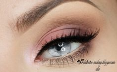 This is the best way to wear pink eyeshadow, hands down!