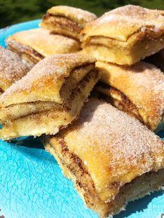 food recipes - Kanelbullar i långpanna (Kryddburken) No Bake Desserts, Delicious Desserts, Yummy Food, Baking Recipes, Cake Recipes, Dessert Recipes, Swedish Recipes, Sweet Recipes, Bagan