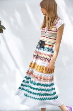 See the complete Missoni Resort 2017 collection.