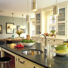KITCHENS WITH PERSONALITY