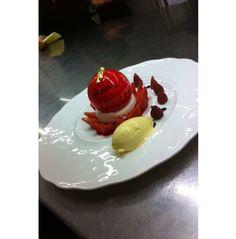 Cristalline Fraise-Framboise au blanc manger, crème glacée gingembre #GeorgesBlanc