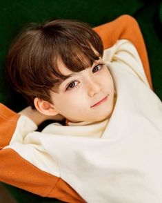Good night and have a great weekend everyone 😘 Twin Baby Girls, Cute Baby Boy, Cute Little Baby, Twin Babies, Little Babies, Cute Boys, Cute Asian Babies, Korean Babies, Asian Kids