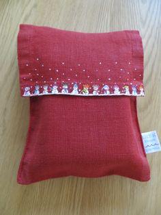 Hand painted christmas napkin bag for a pair of napkins. #lilykdesignscornwall #linen #handpainted #madeincornwall #christmas
