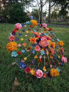 Umbrella Decorations, Wedding Decorations, Fall Decorations, Grave Decorations, Graduation Decorations, Fall Crafts, Diy And Crafts, Paper Crafts, Floral Wedding