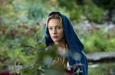 Sarah Gadon in Dracula Untold Sarah Gadon, Luke Evans, Life With Derek, Gothic Characters, Dracula Untold, Charles Dance, Young Prince, Canadian Actresses, Pegasus