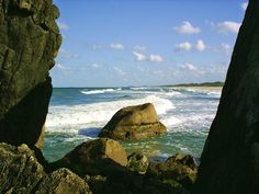 Praia Grande, Santa Catarina - Mar bastante revolto, ideal para o surf