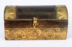 Beautiful Big Wooden Box Hand Crafted Brass Fittings Unique Shape. G43-85