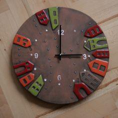 Keramické hodiny s domečky