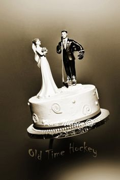 A great cake topper for the ultimate hockey fan from one of my weddings.
