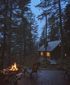 Cabin Homes, Log Homes, Grid Architecture, Beautiful Homes, Beautiful Places, Cabin In The Woods, Forest House, Cabins And Cottages, Cozy Cabin