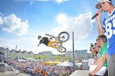 BMX-Festival »Bielefelder City-Jam« am Wochenende auf dem Kesselbrink +++  Waghalsige Sprünge und Innenstadt-Fest