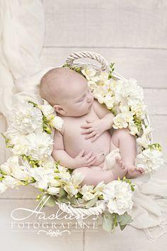 newborn flowers Fredrikstad, Bassinet, Children, Flowers, Decor, Young Children, Crib, Boys, Decoration