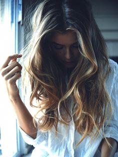 beachy long hair with blonde highlights