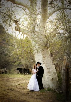 A beautiful old tree is a great inspiration for a Western Wedding Photo! <3 Love it! #wherebridesgo