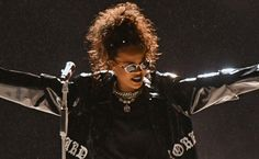 """Rihanna Is Planning A """"Holy Crap"""" Moment At The VMAs"""
